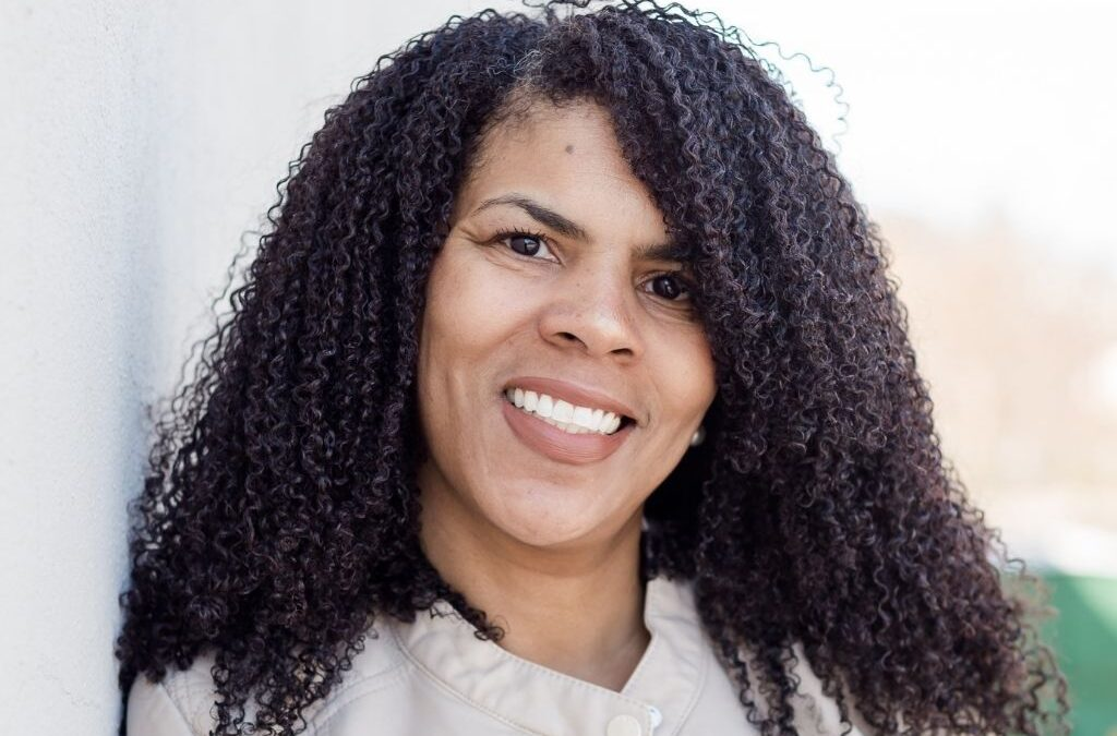 [An Interview] with Dee Price of The Curl Company of GSO